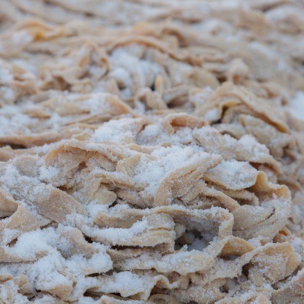 Круга говяжьи длина 18 метров купить - Натуральная оболочка для колбасы купить - obolo4ka.ru +7-977-880-31-57 bkc91@yandex.ru